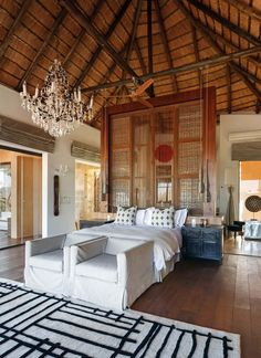 The Molori Safari Lodge is a luxurious game lodge for the discerning traveler, ideally positioned in the Madikwe Game Reserve, in South Africa. Bamboo Architecture, Residential Architecture, Interior Architecture, Interior And Exterior, Interior Design, Interior Plants, Tiny House, Farm House, Honeymoon Getaways