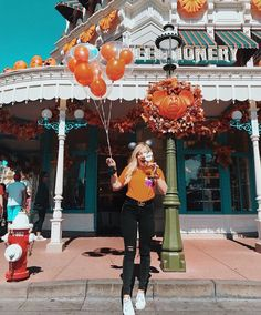 Halloween Disneyland Pictures Halloween Disneyland Bilder Halloween Disneyland I… Disney World Halloween, Disneyland Halloween, Disneyland Outfits, Disneyland Trip, Disney Outfits, Disney Vacations, Disneyland Images, Disneyland Ideas, Disneyland California