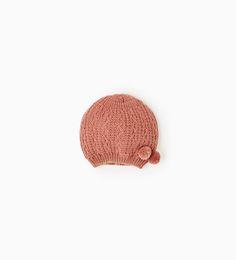 Image 1 de Bonnet ajouré à pompons de Zara