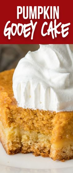 This Pumpkin Gooey Cake is a definitely crowd pleaser! Part cake, part pumpkin pie. it's a dessert winner! Pumpkin Gooey Cake is part cake, part pumpkin pie with a whole lot of deliciousness in between! Pumpkin Recipes, Fall Recipes, Recipe For Pumpkin Pie, Christmas Recipes, Christmas Cooking, Christmas Ideas, Xmas, Food Cakes, Cupcake Cakes
