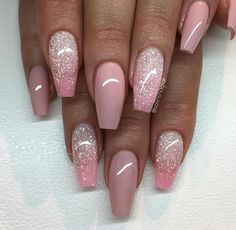 Moderne nägel 2018 Modern nails 2018 – – Related posts: shellac nails plain acrylic nails which are amazing # plain acrylic nails Wir sind auch stark. Using Nails inkl. Fancy Nails, Trendy Nails, Cute Nails, My Nails, Hair And Nails, Pale Pink Nails, Silver Nails, Rhinestone Nails, Silver Glitter