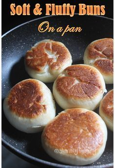 How to Make Soft Buns Without Oven (on a frying pan). Super easy buns made in a frying pan. It is super soft and fluffy like a cloud. You can make any filling and stuff the buns with that. Pan Fried Bread, Pan Bread, Bread Baking, How To Make Biscuits, How To Make Bread, Fried Biscuits, Meat Bun, Chicken Buns, Bun Recipe