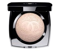 Chanel, illuminate rosa pallido con il simbolo del brand impresso sopra, edizione limitata