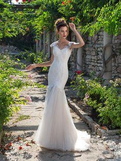 Celokrajkované svadobné šaty v štýle morská panna