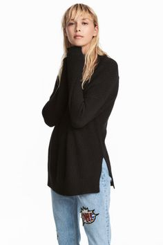 Sweater in soft, textured-knit cotton-blend fabric with a rib-knit mock turtleneck. Dropped shoulders, long sleeves, and slits at sides. Slightly longer at Sweater Shop, Sweater Cardigan, Sweater Weather, Pulls, Black Sweaters, Sliders, Latest Fashion Trends, Fashion Online, Damask
