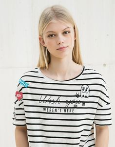 BSK striped patches and pins top. Discover this and many more items in Bershka with new products every week