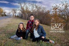 On location siblings photography session https://www.facebook.com/pages/Mandy-Lee-Photography/113937515377935