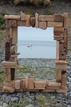 Espejo decorado con piedras