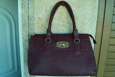 bags Michael Kors Hamilton, Bags, Fashion, Handbags, Moda, Fashion Styles, Taschen, Fasion, Purse