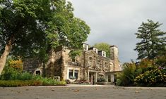 Edge Hospitality welcomes you at Paletta Mansion - 14 acres of waterfront parkland party, event venue in Burlington, Oakville and surrounding areas for events like, weddings & social. Monument Valley, Palette, Mansions, House Styles, Travel, Google Search, Palette Table, Mansion Houses, Voyage