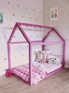 Un Lit Cabane Rose Pour Les Filles Déco Chambre De Fille - Lit cabane rose
