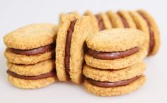 """Feuillantine"" sušenka - Bernardova kuchyně Biscuit Cookies, Cupcake Cookies, Thermomix Desserts, Candy Cakes, Sweet Cakes, Chocolate Recipes, Chocolate Chips, Sweet Recipes, Cookie Recipes"