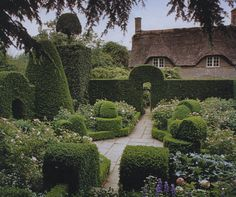 Hidcote has to be one of the most inspirational and studied gardens in the world.  While studying Garden Design it was one of the first gardens that I look to for inspiration.  It is England's premiere example of an Arts and Crafts Garden.