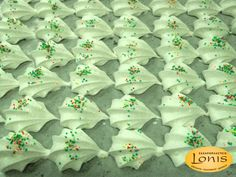 Μπεζέδες βανίλια για διακόσμιση - Ζαχαροπλαστείο Lonis - www.lonis.gr