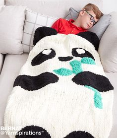 Free Knitting Pattern for Panda Snuggle Sack - Easy pattern from Yarnspirations. Approx cm] circumference x cm] long. To fit Child ages 4 to 8 years. Loom Knitting, Baby Knitting Patterns, Knitting Stitches, Free Knitting, Crochet Patterns, Snuggle Blanket, Blanket Yarn, Crochet Panda, Crochet Baby
