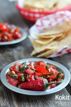Itse tehdyt nachot ja tomaatti-korianterisalsa - home made nachos w/tomato-cilatro salsa (in Finnish) | Kokit ja Potit -ruokablogi