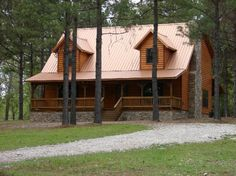Amazing Grace - approximately 2000 sq ft of living area and is located in the Kaniatobe Trails area of Broken Bow Lake (across from Girls Gone Wine & Stevens Gap lake entrance) and is convenient to all the attractions of Broken Bow Lake, Beavers Bend State Park, Restaurants & Cedar Creek Golf Course.