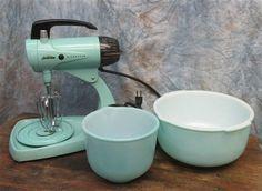 Turquoise Sunbeam Mixmaster 12 Speed Mixer Glass Bowls Retro Kitchen Vintage #Sunbeam
