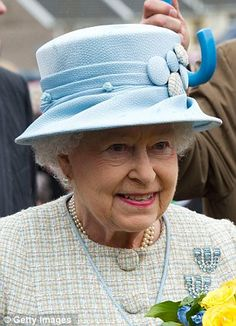 The Queen officially opens Ynysowen Community Primary School, 27th April 2012