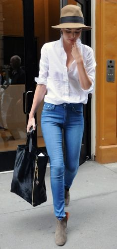 high wasted jeans + hat.