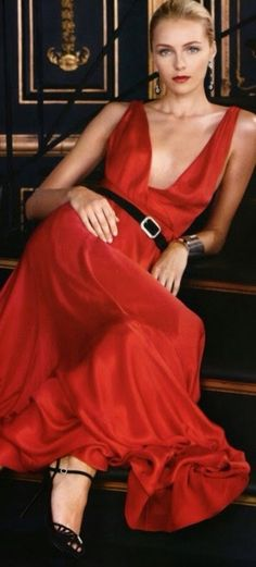 Straight up Glamour. Red Fashion, High Fashion, Fashion Beauty, Daily Fashion, Looks Style, My Style, Moda Casual, Maxi Robes, Beautiful Gowns