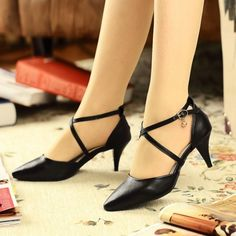 Heel Height:2.6 inches(6.5 cm) Women's Shoes Size Chart. China Shoes,Run Small,Suggest Half or one size larger. Chile,Armenia,Ukraine,South Africa,Bosnia and Herzegovina and others 20-40 work days not received 55 days.