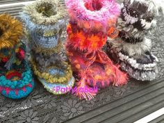 Kinder Mukluks gehaakt by PattyLaBell on Etsy