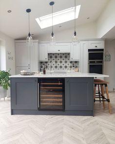 Marble Floor Kitchen, Grey Kitchen Island, Kitchen Flooring, Kitchen With Grey Floor, Dark Kitchen Floors, Light Oak Floors, Dark Grey Kitchen Cabinets, Navy Kitchen, Two Tone Kitchen