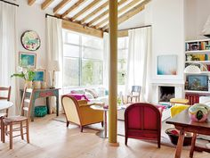 〚 Bright colors and natural materials: modern country home in Spain 〛 ◾ Photos ◾Ideas◾ Design Porch Decorating, Interior Decorating, Modern Country, Interior Architecture, New Homes, House Styles, Bed, Furniture, Home Decor