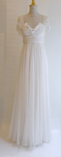 Maria kjole br 19 000 NOK....... this. this is my dream dress.