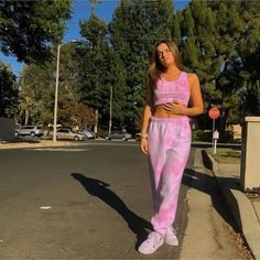 Best Picture For thick teenager outfits For Your Taste You are looking for something, and it is goin Teenage Outfits, Teen Fashion Outfits, Girl Outfits, Tie Dye Fashion, Look Fashion, Sporty Fashion, Fashion Women, Winter Fashion, Cute Comfy Outfits