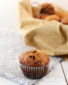 Chocolate chip banana muffins! A perfect breakfast or snack! #lmldfood