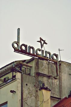 This is so cool!! It would be awesome to fix up an old place like this and use it as a retro dance studio!