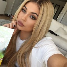 ♛Kylie Jenner♛ Friday 25th March 2016 ♛ @teendream1 ♛