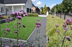 tuin met kunstgras aanleg door hans neelen hoveniers nunhem