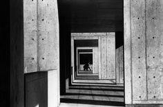 Rene Burri USA. California. La Jolla. Salk Institute of Biological Studies. Building designed by Louis KAHN. 1979.