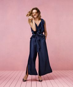 Coast has once again tapped Olivia to be the face of another campaign, this time for Spring/Summer 2017. The contemporary occasionwear brand and style icon continued their partnership from AW16 to …