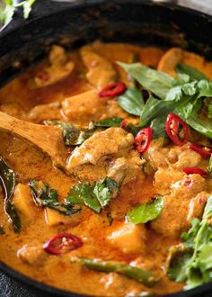 Recipe VIDEO above. A Thai Red Curry with Chicken is one of the world's most popular curries! Make this with store bought curry paste (we give it a freshness boost) OR homemade Thai Red Curry Paste. SPICE Level: Mild to hot (Note Indian Food Recipes, Asian Recipes, Healthy Recipes, Thai Food Recipes, Healthy Breakfasts, Healthy Snacks, Pollo Thai, Thai Curry Recipes, Thai Chicken Recipes