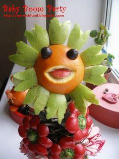 Fruit Carving Arrangements and Food Garnishes: June 2011 Fruit Sculptures, Food Sculpture, Veggie Art, Fruit And Vegetable Carving, Cute Fruit, Cute Food, Edible Food, Edible Art, Fruits Decoration