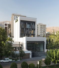 Completed in 2017 in Tehran, Iran. Images by Deed studio. The status of the project was formed in the context of one of the main streets of Tehran in terms of administrative and commercial function. One of...