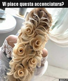 Wedding hairstyle, her hair looks like flowers! Braided Bun Hairstyles, Pretty Hairstyles, Easy Hairstyles, Creative Hairstyles, Hair Updo, Braids With Curls Hairstyles, Curly Hair, Funny Hairstyles, Braided Buns