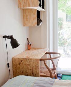 workspace plywood and OSB - Osb playwood - Furniture Plywood Furniture, Plywood Desk, Plywood Storage, Plywood Interior, Plywood Shelves, Diy Furniture, Furniture Design, Chipboard Interior, Osb Wood
