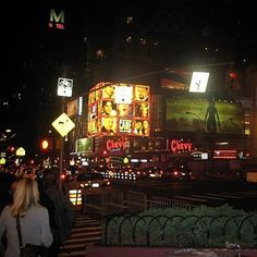 Lets Make Magicse Back In NYC Neonlights And CitizenM Hotel