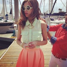 Coral summer flirty skirt with round blonde white plastic sunglasses on dock - nautical Mode Pastel, Fashion Beauty, Womens Fashion, Fashion Trends, Summer Outfits, Cute Outfits, Classy And Fabulous, Mode Inspiration, Dress Me Up