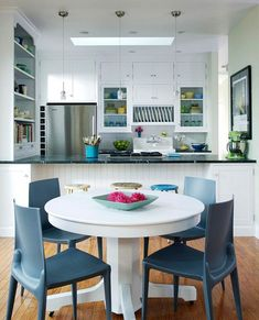 Eat In Kitchen Table, Small Kitchen Tables, Kitchen Dining, Dining Rooms, Room Kitchen, Dining Area, Dining Table, Open Galley Kitchen, Kitchen Models