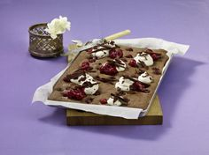 Unser beliebtes Rezept für Blechkuchen à la Schwarzwälder Kirsch und mehr als 55.000 weitere kostenlose Rezepte auf LECKER.de.