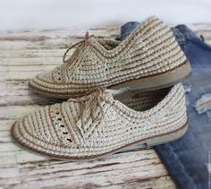 Купить или заказать Мужские льняные туфли в интернет-магазине на Ярмарке Мастеров. Туфли стильные... комфортные... сделаны из натурального природного материала... ЛЁН !!! Стелька внутри тоже льняная ( 100% льняное волокно прессованное). Подошва высокого качества, лёгкая и гибкая! Такие туфли великолепно будут комплектоваться с льняной одеждой ... и даже с любимыми джинсами!