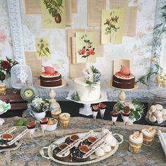 Сладкие детали на свадьбе Яны и Саши! Decor by @lattedecor Sweets by @yumbaker
