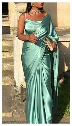 Indian Fashion Dresses, Dress Indian Style, Indian Designer Outfits, Indian Fashion Modern, Indian Fashion Trends, Indian Outfits Modern, Fashion Outfits, Sari Dress, The Dress