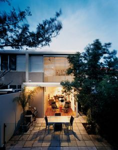 Five amazing abodes in Australia's biggest city. Dwell.com